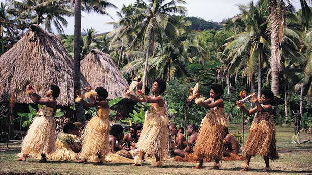 fiji-villagers-dancing