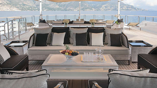 Top 10 superyacht design features found on the world's ...